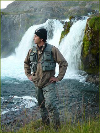 Moniteur guide de pêche à l'étranger