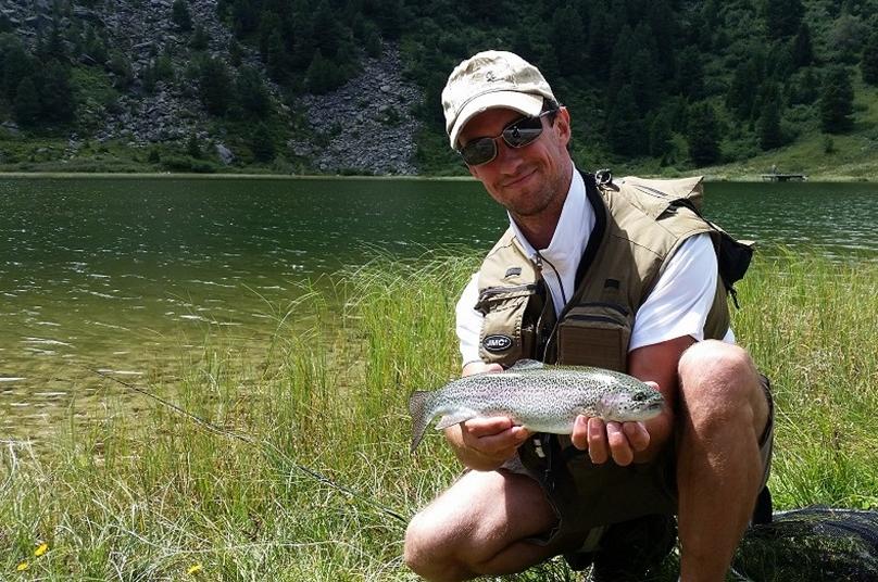 yoann esquis moniteur guide peche lac tueda